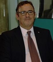 Minister van Sociale Zaken en Arbeid dhr. Glenbert F. Croes